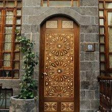 Фотография: Архитектура в стиле , Декор интерьера, Дом, Декор дома, Двери – фото на InMyRoom.ru