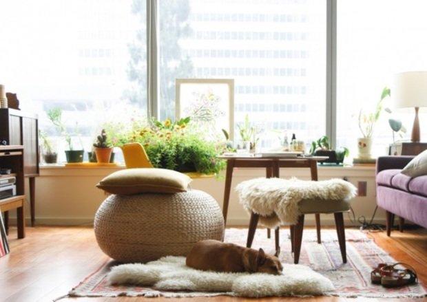 Фотография:  в стиле , Декор интерьера, Аксессуары, Декор, Советы, ИКЕА в интерьере дома, овечья шкура в интерьере – фото на InMyRoom.ru