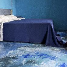Фотография: Спальня в стиле Кантри, Дизайн интерьера, Цвет в интерьере, Пол, Индустриальный – фото на InMyRoom.ru