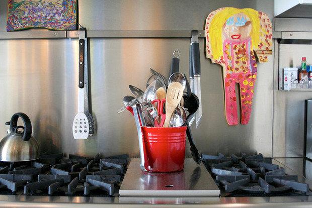 Фотография: Декор в стиле , Кухня и столовая, Интерьер комнат, Цвет в интерьере, Белый – фото на InMyRoom.ru