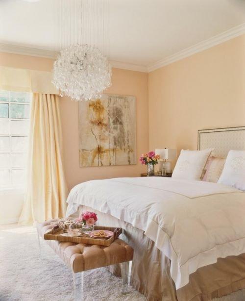 Фотография: Спальня в стиле Прованс и Кантри, Декор интерьера, Квартира, Дом, Декор дома, Люди, Картины – фото на InMyRoom.ru