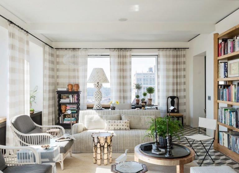 Фотография: Гостиная в стиле Прованс и Кантри, Декор интерьера, Малогабаритная квартира, Квартира, Нью-Йорк, Гид – фото на InMyRoom.ru