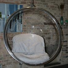 Фотография: Мебель и свет в стиле Лофт, Эклектика, Интерьер комнат, Eero Aarnio, Кресло – фото на InMyRoom.ru