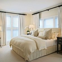 Фотография: Спальня в стиле Кантри, Малогабаритная квартира, Квартира, Освещение, Декор, Дома и квартиры – фото на InMyRoom.ru