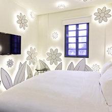 Фотография: Спальня в стиле Современный, Дома и квартиры, Городские места, Поп-арт, Индустриальный, Неон – фото на InMyRoom.ru