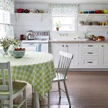 Фотография: Кухня и столовая в стиле Кантри, Декор интерьера, Текстиль, Шторы – фото на InMyRoom.ru
