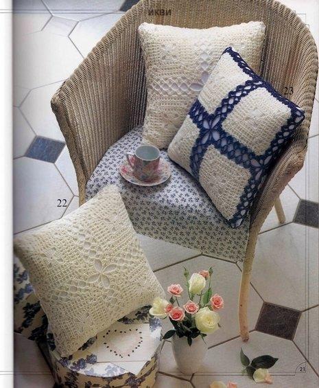 Фотография: Ванная в стиле Лофт, Декор интерьера, Декор дома, Подушки, Вышивка – фото на InMyRoom.ru