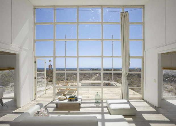 Фотография: Гостиная в стиле Современный, Декор интерьера, Дом, Дома и квартиры, Архитектурные объекты, Чили – фото на InMyRoom.ru