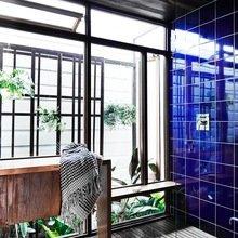 Фото из портфолио Модернизированный бревенчатый дом – фотографии дизайна интерьеров на INMYROOM