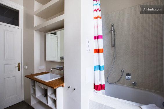Фотография: Ванная в стиле Современный, Стиль жизни, Советы, Париж, Airbnb – фото на InMyRoom.ru