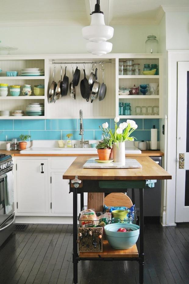 Фотография:  в стиле , Кухня и столовая, Советы, как выбрать кухонный остров, идеи для организации кухонного острова, кухонный остров на маленькой кухне, альтернативы кухонному острову – фото на InMyRoom.ru