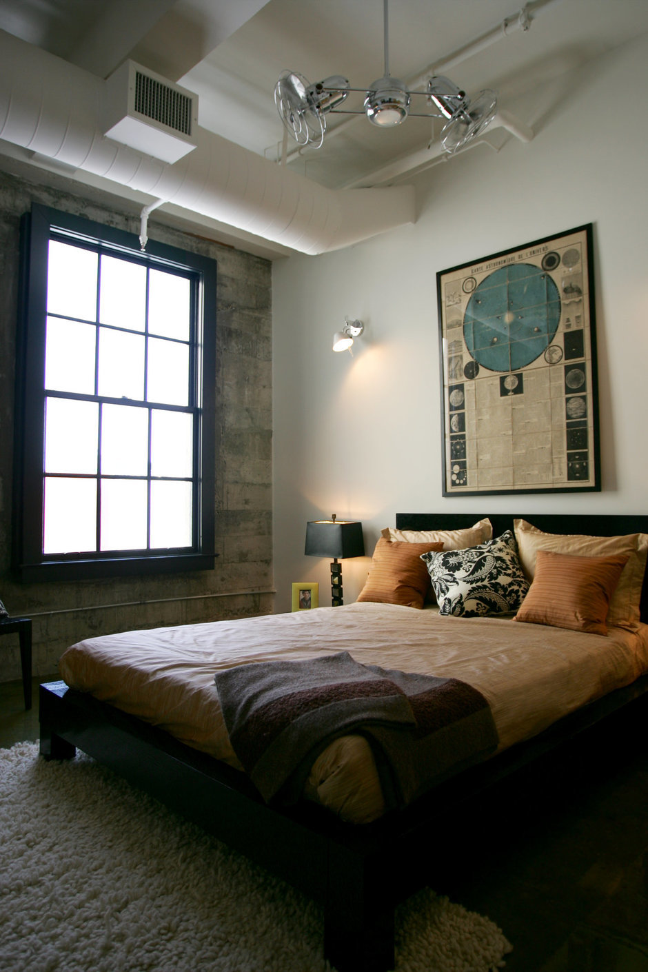 Фотография: Спальня в стиле Лофт, Современный, Декор интерьера, Квартира, Дома и квартиры, Стена, Индустриальный – фото на InMyRoom.ru