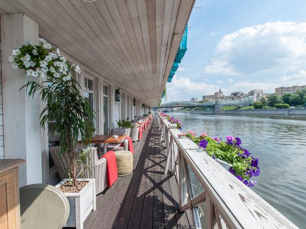 Фотография: Балкон, Терраса в стиле Прованс и Кантри, Классический, Современный, Италия, Дома и квартиры, Городские места, Прованс, Ресторан – фото на INMYROOM