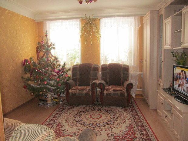 Помогите подобрать цвет штор и мягкой мебели