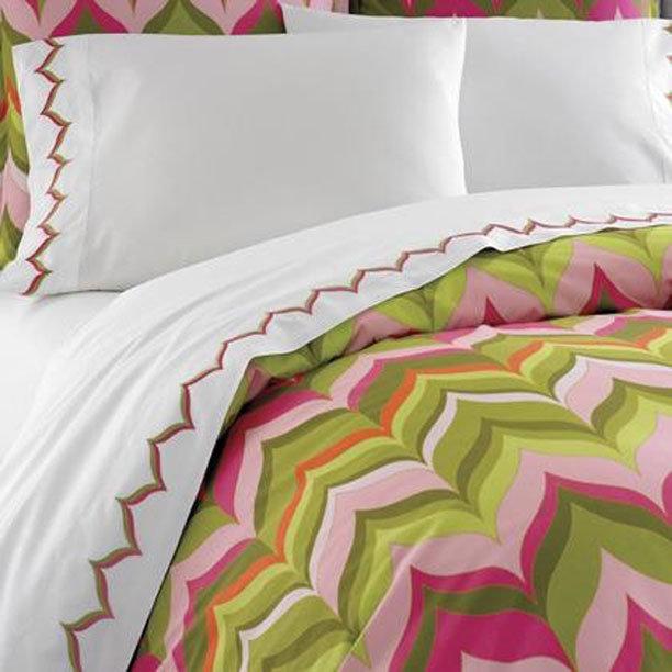 Фотография:  в стиле , Спальня, Декор интерьера, Интерьер комнат, Кровать – фото на InMyRoom.ru