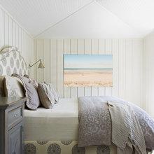 Фотография: Спальня в стиле Скандинавский, Декор интерьера, Декор, Декор дома, Современное искусство – фото на InMyRoom.ru
