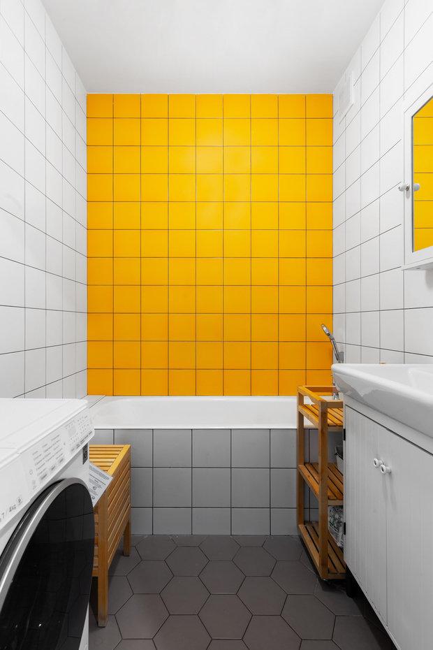 Фотография: Ванная в стиле Скандинавский, Эклектика, Квартира, Белый, Проект недели, Зеленый, Желтый, Серый, Бирюзовый, Эко, 3 комнаты, 60-90 метров – фото на INMYROOM