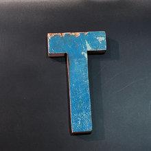 Декоративная буква (T)