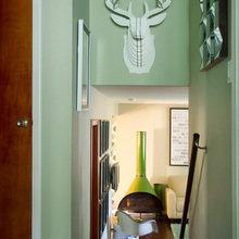 Фотография: Декор в стиле Скандинавский, Эклектика, Квартира, Дома и квартиры, Камин, Стеллаж, Принт – фото на InMyRoom.ru