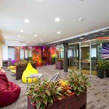 Фотография: Офис в стиле Современный, Декор интерьера, Офисное пространство, Мебель и свет – фото на InMyRoom.ru