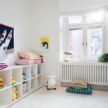 Фотография: Детская в стиле Скандинавский, Квартира, Швеция, Цвет в интерьере, Дома и квартиры, Белый, Обои – фото на InMyRoom.ru