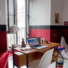 Фотография: Кабинет в стиле Скандинавский, Декор интерьера, Квартира, Цвет в интерьере, Дома и квартиры, Камин, Стены, Свечи, Черный, Диван – фото на InMyRoom.ru