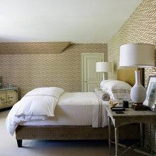 Фотография: Спальня в стиле Кантри, Декор интерьера, Vitra, Мебель и свет, Декор дома, Ретро – фото на InMyRoom.ru