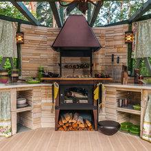 Фотография: Кухня и столовая в стиле Кантри, Дом, Дома и квартиры, Камин, Беседка – фото на InMyRoom.ru