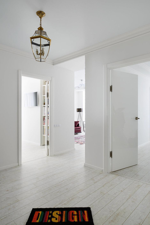 Фотография: Прихожая в стиле Современный, Квартира, Цвет в интерьере, Дома и квартиры, Белый, Проект недели – фото на InMyRoom.ru