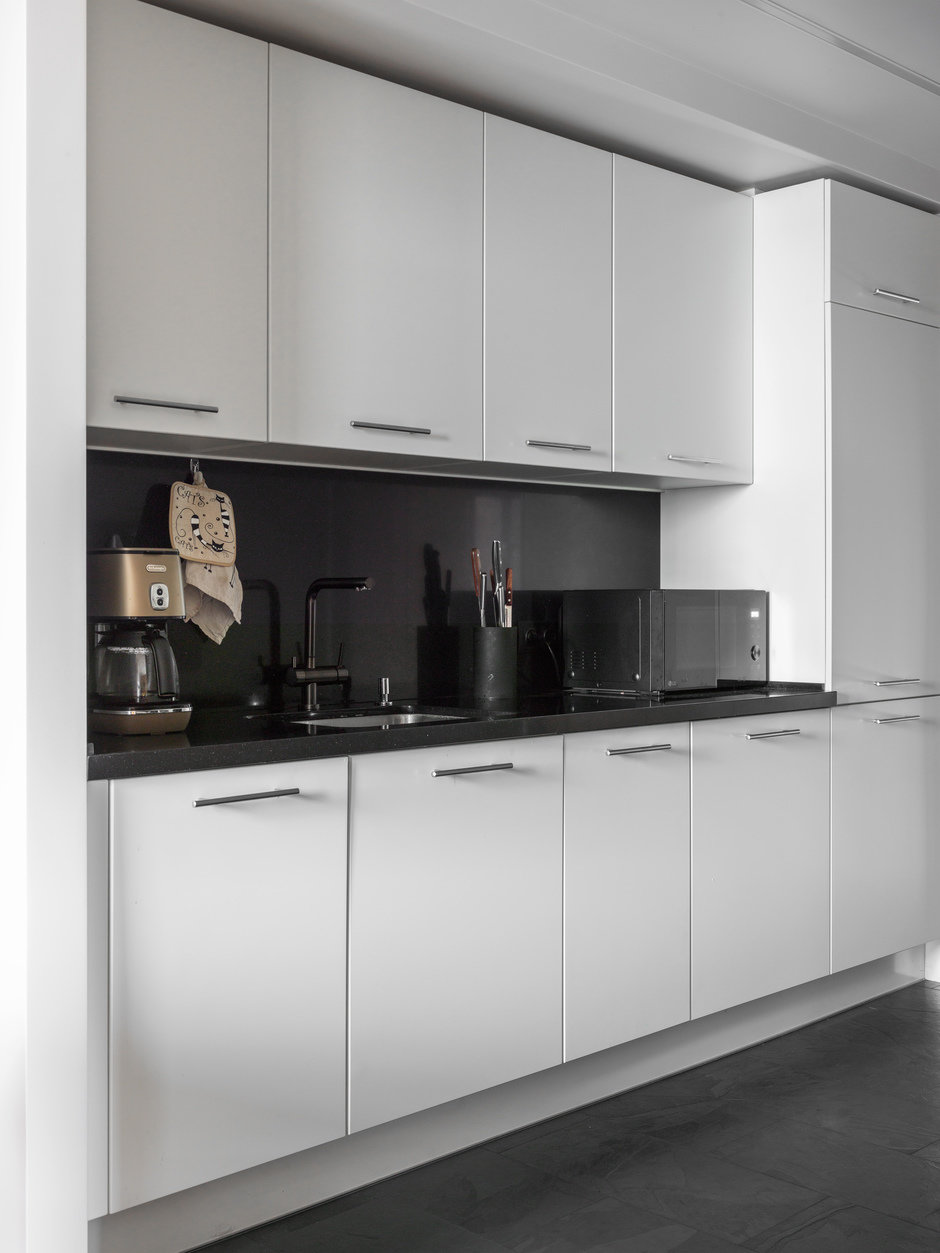 Фотография: Кухня и столовая в стиле Современный, Квартира, Проект недели, Geometrium, Монолитный дом, 2 комнаты, 60-90 метров, ЖК «Сколковский» – фото на InMyRoom.ru