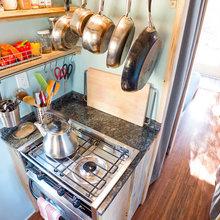 Фотография: Кухня и столовая в стиле , Дом, Дома и квартиры, Эко, Дом на колесах – фото на InMyRoom.ru