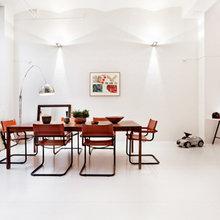 Фотография: Кухня и столовая в стиле Минимализм, Скандинавский, Декор интерьера, Швеция, Декор дома, Цвет в интерьере, Белый – фото на InMyRoom.ru