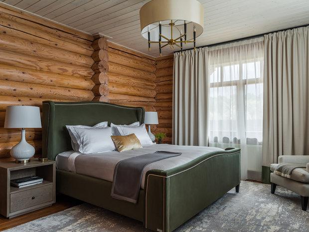 Кровати в спальнях новые, с красивой тактильно приятной обивкой.