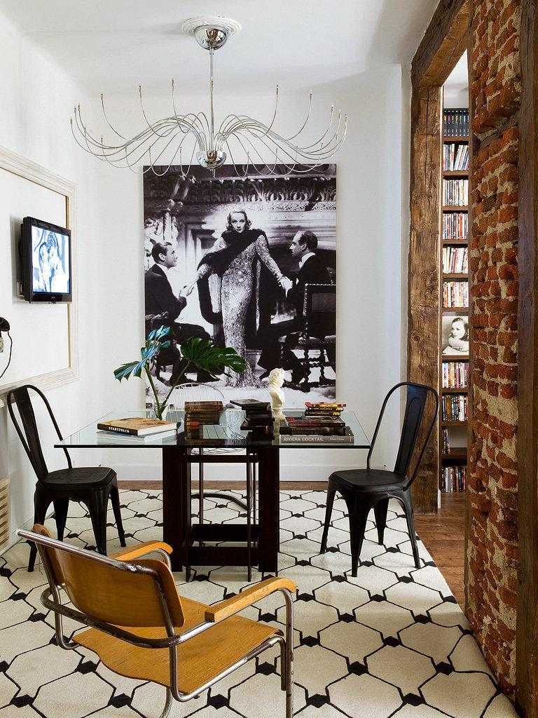 Фотография: Кухня и столовая в стиле Лофт, Гостиная, Декор интерьера, Интерьер комнат, Проект недели, Стена, Мадрид – фото на InMyRoom.ru