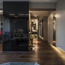 Фотография: Прихожая в стиле Лофт, Современный, Малогабаритная квартира, Квартира, Цвет в интерьере, Дома и квартиры, Серый, Умный дом, Будапешт – фото на InMyRoom.ru