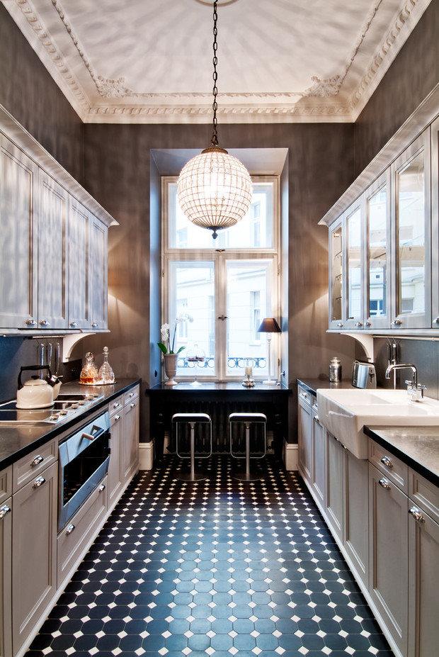 Фотография:  в стиле , Кухня и столовая, Советы, планировка узкой кухни в хрущевке, дизайн узкой кухни, обустройство узкой кухни, мебель для узкой кухни, сценарии освещения для узкой кухни – фото на InMyRoom.ru