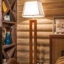 Фотография: Мебель и свет в стиле Кантри, Спальня, Интерьер комнат, Мансарда – фото на InMyRoom.ru