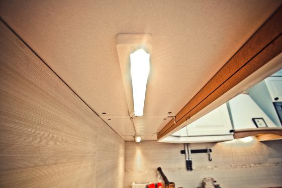 Фотография: Мебель и свет в стиле Современный, Кухня и столовая, Квартира, Дома и квартиры, Ремонт – фото на InMyRoom.ru