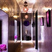Фотография: Прихожая в стиле Современный, Восточный, Декор интерьера, Дом, Декор дома, Цвет в интерьере – фото на InMyRoom.ru