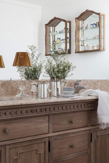 Фотография: Кухня и столовая в стиле Эклектика, Декор интерьера, Квартира, Дома и квартиры – фото на InMyRoom.ru