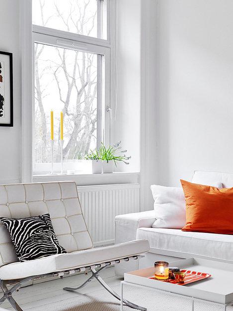 Фотография: Гостиная в стиле Современный, Скандинавский, Декор интерьера, Квартира, Цвет в интерьере, Дома и квартиры, Стены, Пол – фото на InMyRoom.ru
