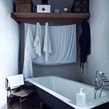 Фотография: Ванная в стиле Кантри, Скандинавский, Лофт, Декор интерьера, Декор дома, Стены – фото на InMyRoom.ru