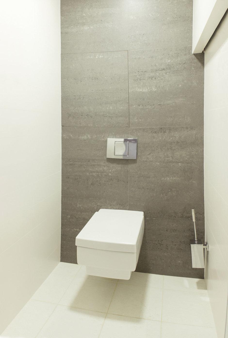 Фотография: Ванная в стиле Лофт, Квартира, Цвет в интерьере, Дома и квартиры, Белый, Минимализм, Проект недели – фото на InMyRoom.ru