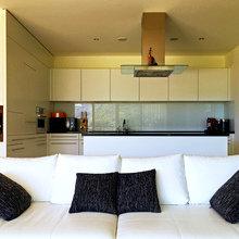 Фото из портфолио Апартаменты в современном стиле с большой террасой – фотографии дизайна интерьеров на INMYROOM