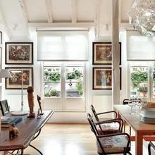 Фотография: Кухня и столовая в стиле Кантри, Декор интерьера, Квартира, Терраса, Дома и квартиры, Лестница, Картины, Балки – фото на InMyRoom.ru