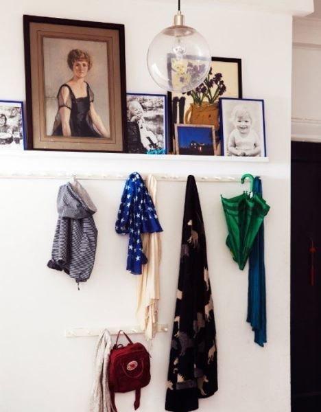 Фотография:  в стиле , Прихожая, Советы, узкая прихожая, дизайн маленькой прихожей, идеи обустройства прихожей – фото на InMyRoom.ru