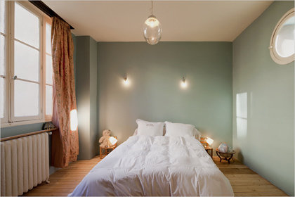 Фотография: Спальня в стиле Минимализм, Дом, Дома и квартиры, Лестница – фото на InMyRoom.ru