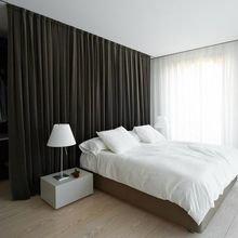 Фотография: Спальня в стиле Современный, Декор интерьера, Малогабаритная квартира, Квартира, Дом, Планировки – фото на InMyRoom.ru