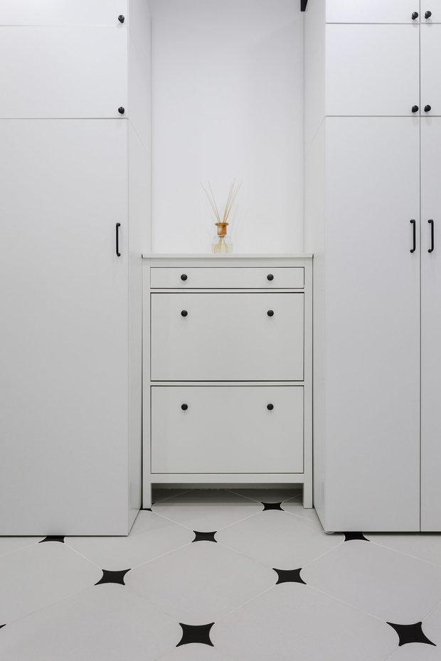 Фотография: Прихожая в стиле Современный, Советы, дизайн маленькой прихожей, как оформить маленькую прихожую, до 40 метров, маленькая прихожая – фото на INMYROOM
