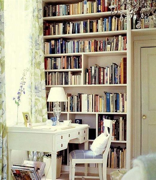 Фотография: Мебель и свет в стиле Прованс и Кантри, Хранение, Стиль жизни, Советы, Библиотека – фото на InMyRoom.ru
